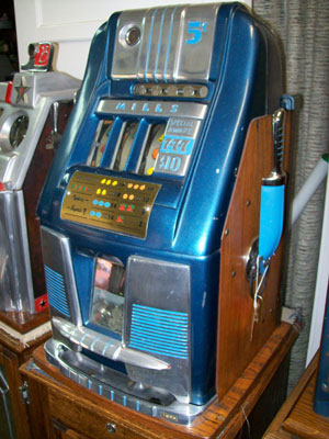 Mills Hightop Antique Slot Machine
