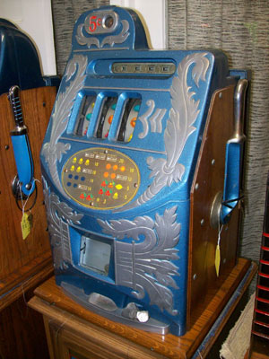 Mills Extra Bell Antique Slot Machine